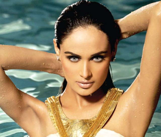 Mehreen Syed Only Pakistani In Top 20 Of World Famous Sexiest List