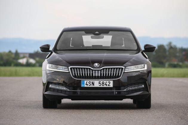 1,5 TSI ACT 110 kW (150 PS): überarbeiteter SKODA SUPERB jetzt ab 28.850 Euro bestellbar