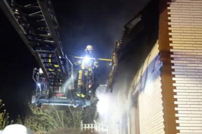 FW Bremerhaven: Brand in einem Einfamilienhauses in der Auerstraße