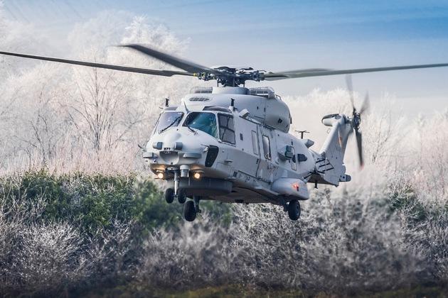 """Deutsche Marine nimmt Flugbetrieb mit den neuen Marinehubschraubern """"Sea Lion"""" auf"""