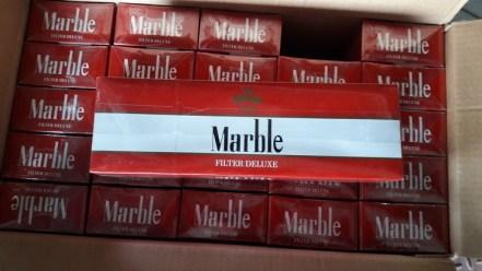 ZOLL-HH: Schmuggelzigaretten im Hafen entdeckt - Zoll stellt fast 4 Millionen Zigaretten sicher