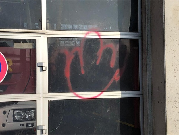 Feuerwehr Kalkar: Gerätehaus der Freiwilligen Feuerwehr Kalkar beschmiert