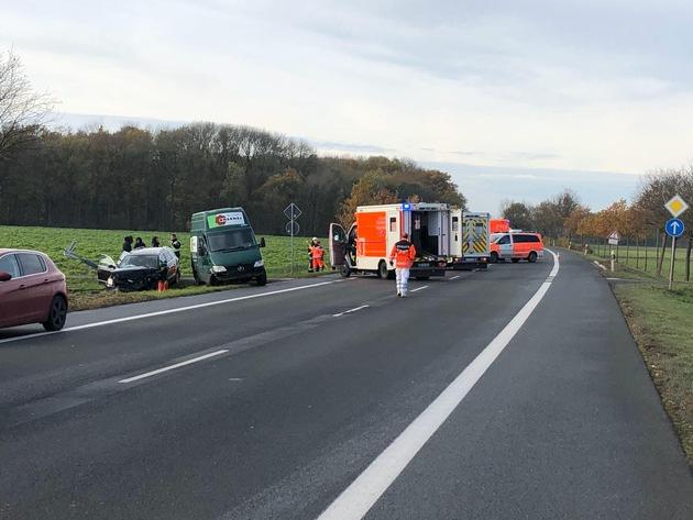 FW-WAF: Verkehrsunfall fordert 5 Verletzte