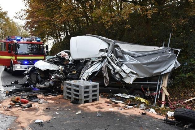 FW-DO: Verkehrsunfall mit zwei verletzten Personen