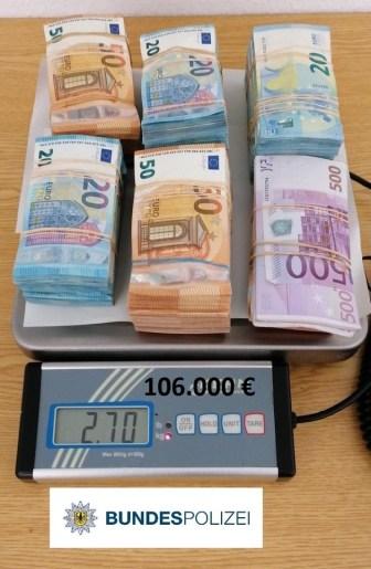 BPOL NRW: Bundespolizei stellt 118.300 EUR Bargeld auf der Autobahn A 61 sicher