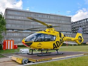 """ADAC Luftrettung stellt Deutschlands modernsten Rettungshubschrauber in Berlin in Dienst / """"Christoph 31"""" gewährleistet Luftrettung auf höchstem Niveau / Neue Maschine leiser und schadstoffreduziert"""