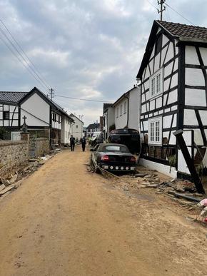 FW Ratingen: Update - Kreis Mettmann entsendet Feuerwehrkräfte - Einsatz im Rahmen der Bezirksbereitschaft 4 der Bezirksregierung Düsseldorf im Flutgebiet