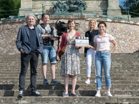 """Das Erste / """"Sayonara Loreley"""" (AT) / Das Erste dreht modernen Heimatfilm im Rheingau"""