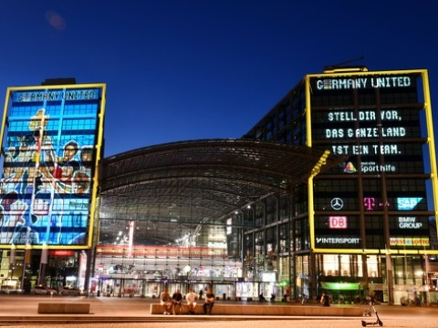 "Sporthilfe illuminiert Berliner Hauptbahnhof mit neuer Kampagne ""Germany United"""