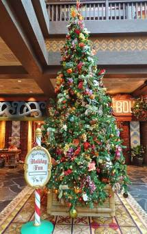 Top 5 Disney World Resort Christmas Decorations