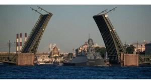 Шойгу: Морският парад в Санкт Петербург ще бъде най-големият в историята