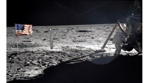В продължение на 33 години сме гледали само Земята – можем ли да се върнем към космическата игра?