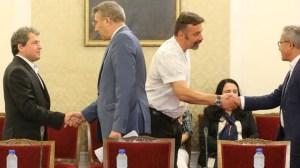 """ДПС приветства """"Има такива хора"""", че има диалог в парламента (видео)"""