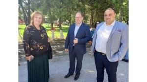 Премиерът Янев в Поповици очаква 30 кметове, които искат да направят финансов одит на общините (снимка)