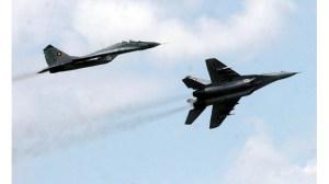 Един от нашите четири бойни МиГ-29 се разби в Черно море, пилотът изчезна (Преглед)