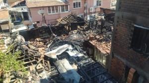 4 къщи изгоряха в Пловдив, местните жители предотвратиха гасенето (снимка)