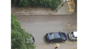 Буря удари София, някои райони и градушка (снимка)