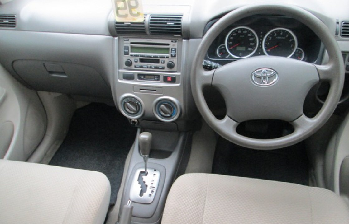 dashboard grand new avanza perbedaan e std dan toyota 2010 2012 prices in pakistan pictures and reviews interior