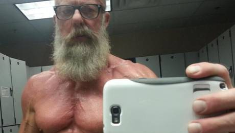 El veterano ha recibido cerca de 1.748 comentarios por la fotografía.