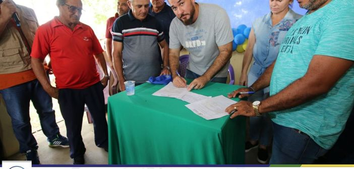 Assinatura da ordem de serviço para reforma do PSF na Barraca da Farinha