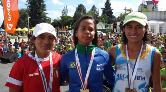 Adela Barrios podio en el Sudamericano de Maratón