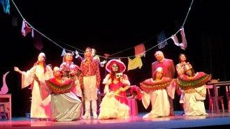 """Gilberto Pérez-Gallardo y el grupo de CADAC en """"La appassionata"""" de Héctor Azar, Dir. Rabindranath Espinosa (En los festejos del 250 aniversario del Teatro Principal de Puebla y dentro del Festival Internacional Palafoxiano 2011)"""