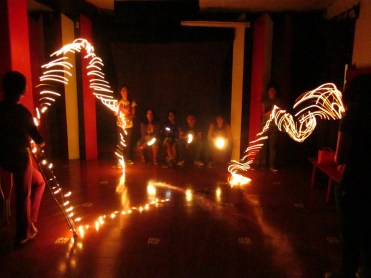 Clase de adolescentes en Galería las Diablas, febrero 2011.