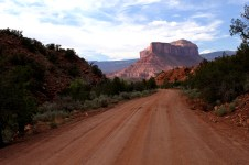 Gateway Canyon Jeeping, backroad with a view, red dirt road