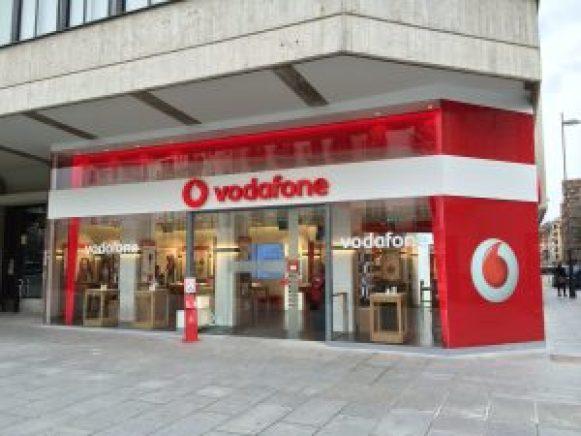 Tienda-Vodafone-Pamplona-Fachada