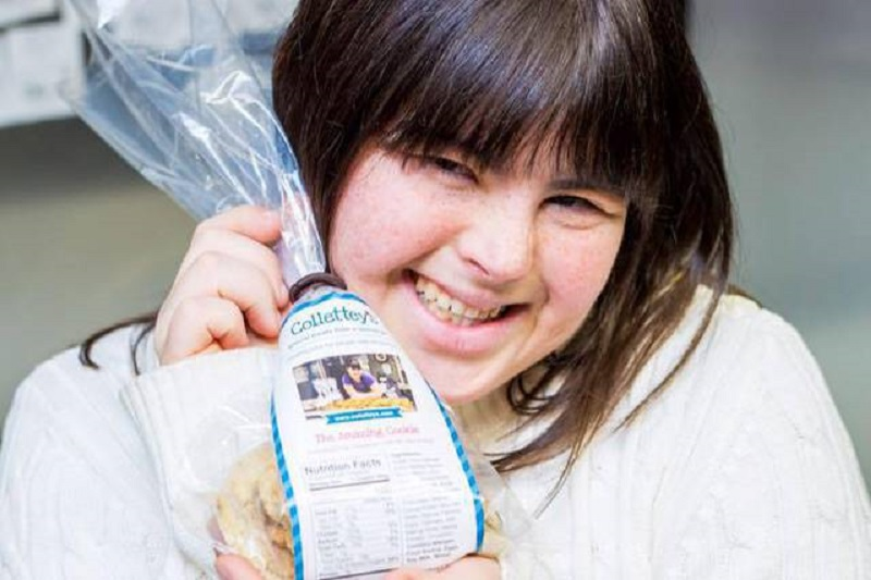 Collette Divitto una joven emprendedora con síndrome de Down crea la panaderia Collettey's Cookies
