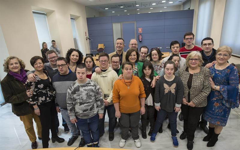 Jóvenes con discapacidad realizan prácticas laborales en la Junta