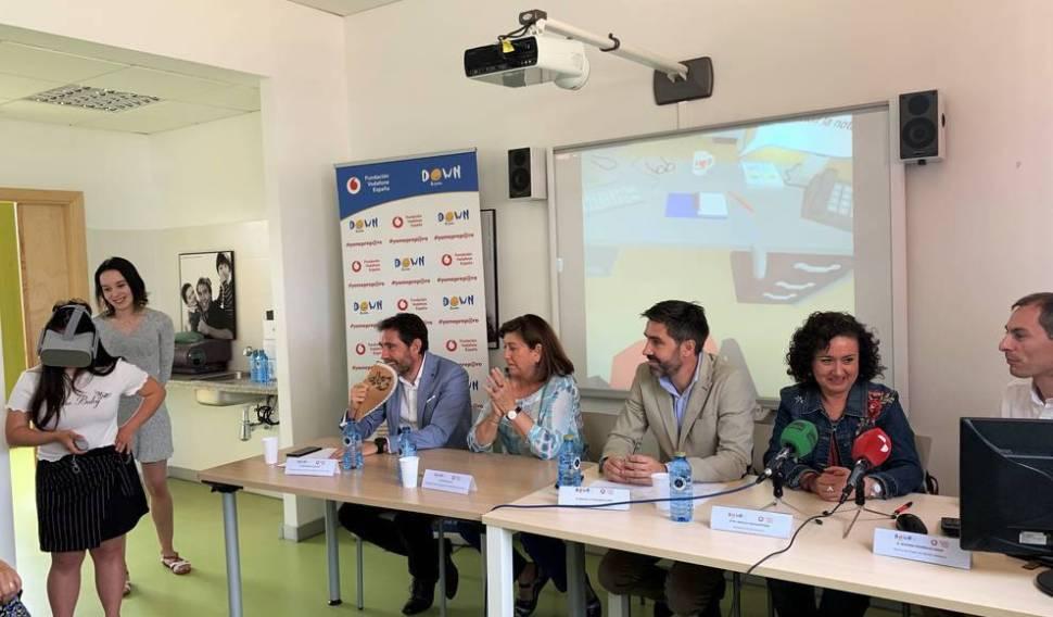 Down Valladolid y Fundación Vodafone utilizan la realidad virtual para favorecer el acceso laboral