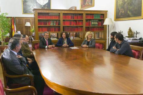 Acuerdo entre la Caja Rural de Granada y la Universidad de Granada para el cultivo experimental del bambú