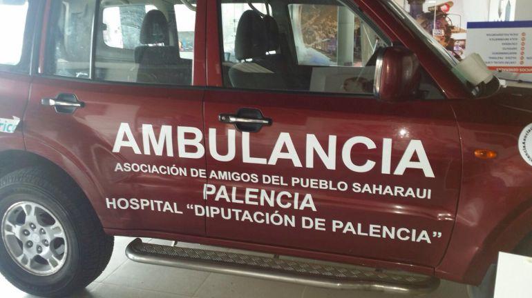 Todo terreno adaptado como ambulancia que la Asocaión de Amigos del Pueblo Saharaui enviará esta misma semana a territorios ocupados