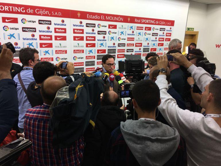 El presidente del Sporting atiende a los medios tras confirmarse la eliminación del playoff de ascenso.