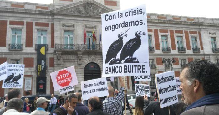 Manifestación contra los fondos buitre en la Puerta del Sol de Madrid