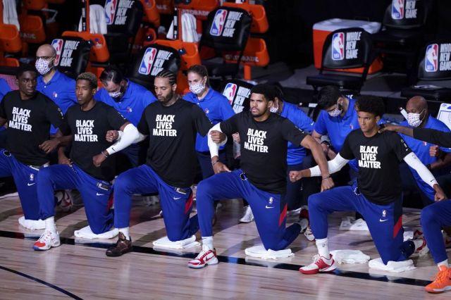 Los Bucks se plantan y la NBA suspende los tres partidos de la jornada de  Playoffs debido al caso Jacob Blake | Deportes | Cadena SER