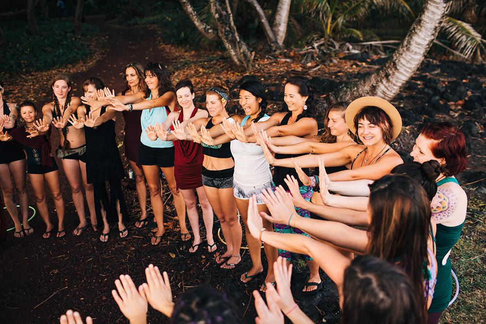 shakti sunfire at in depth, a hawaii hoop retreat