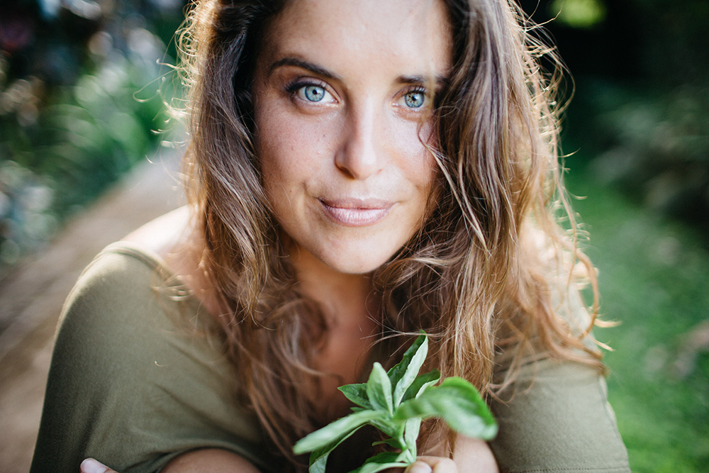 angel green, raw food chef located on Maui