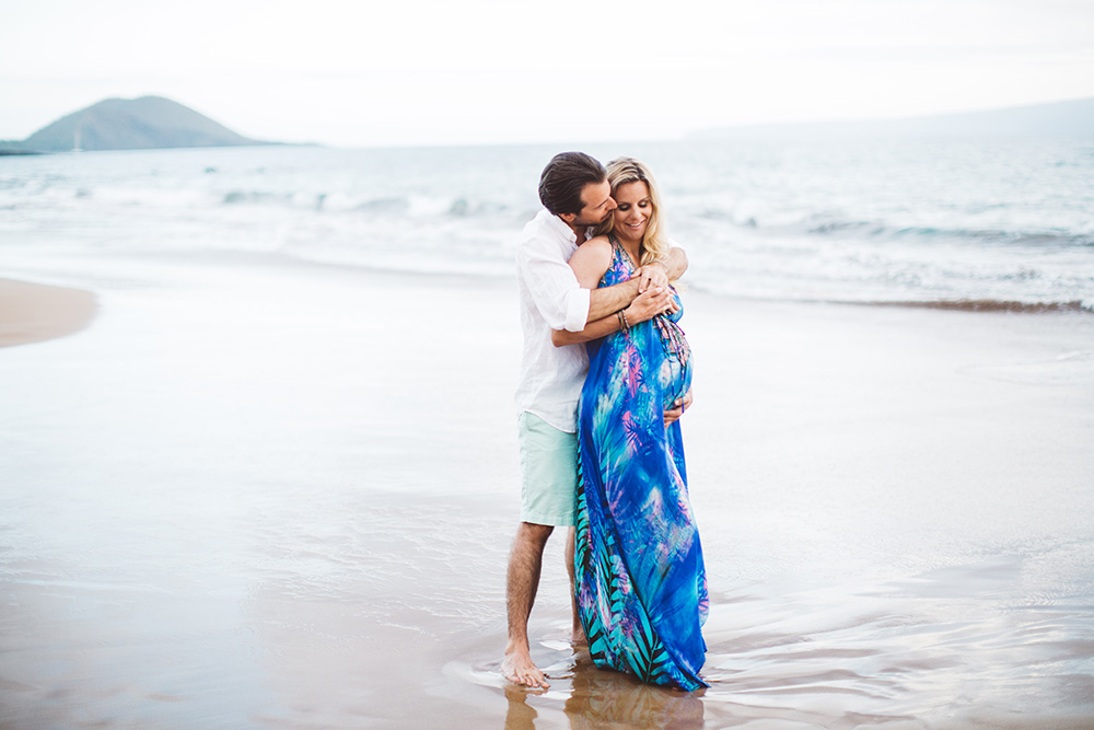 celebrate your babymoon on Maui with a beautiful Maui maternity photography session.