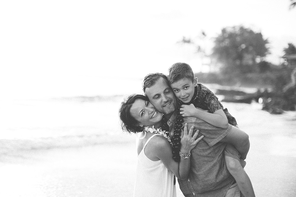 beautiful family portraits on maui with cadencia photography