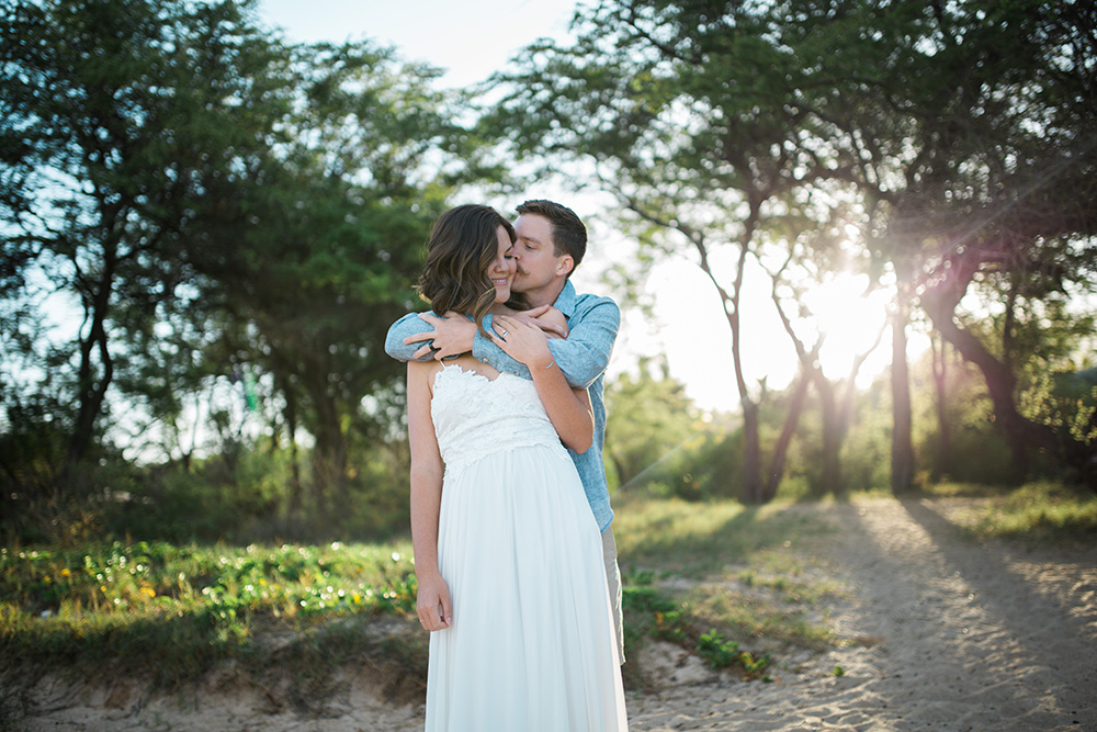 beautiful couple in wailea, hawaii for a photography session.