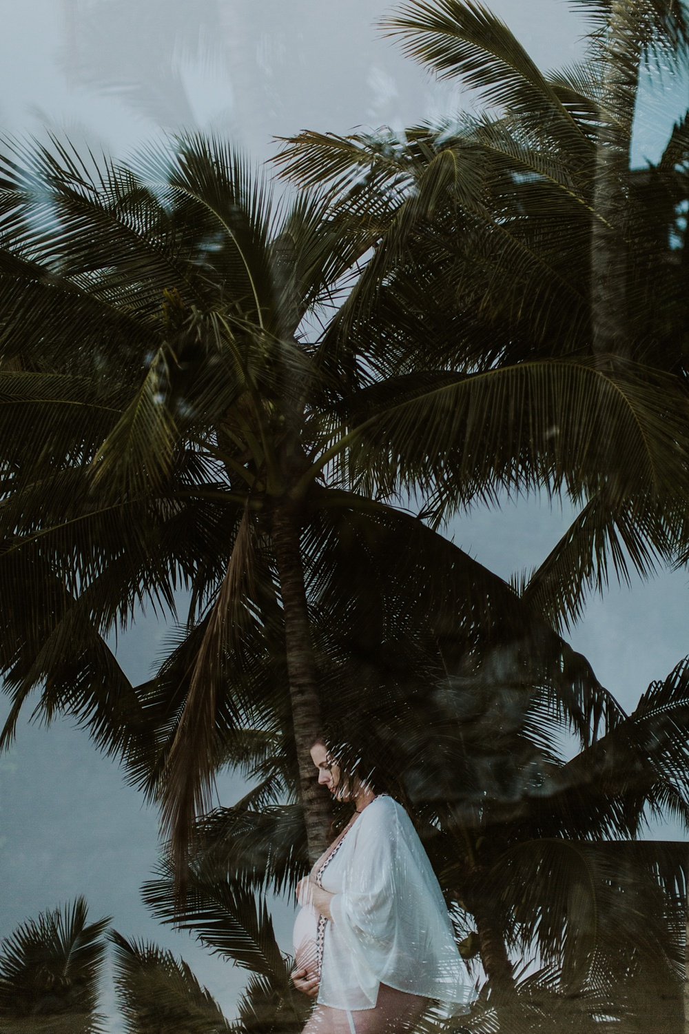 po'olenalena beach is one of my favorite places for maternity photos in maui, hawaii.