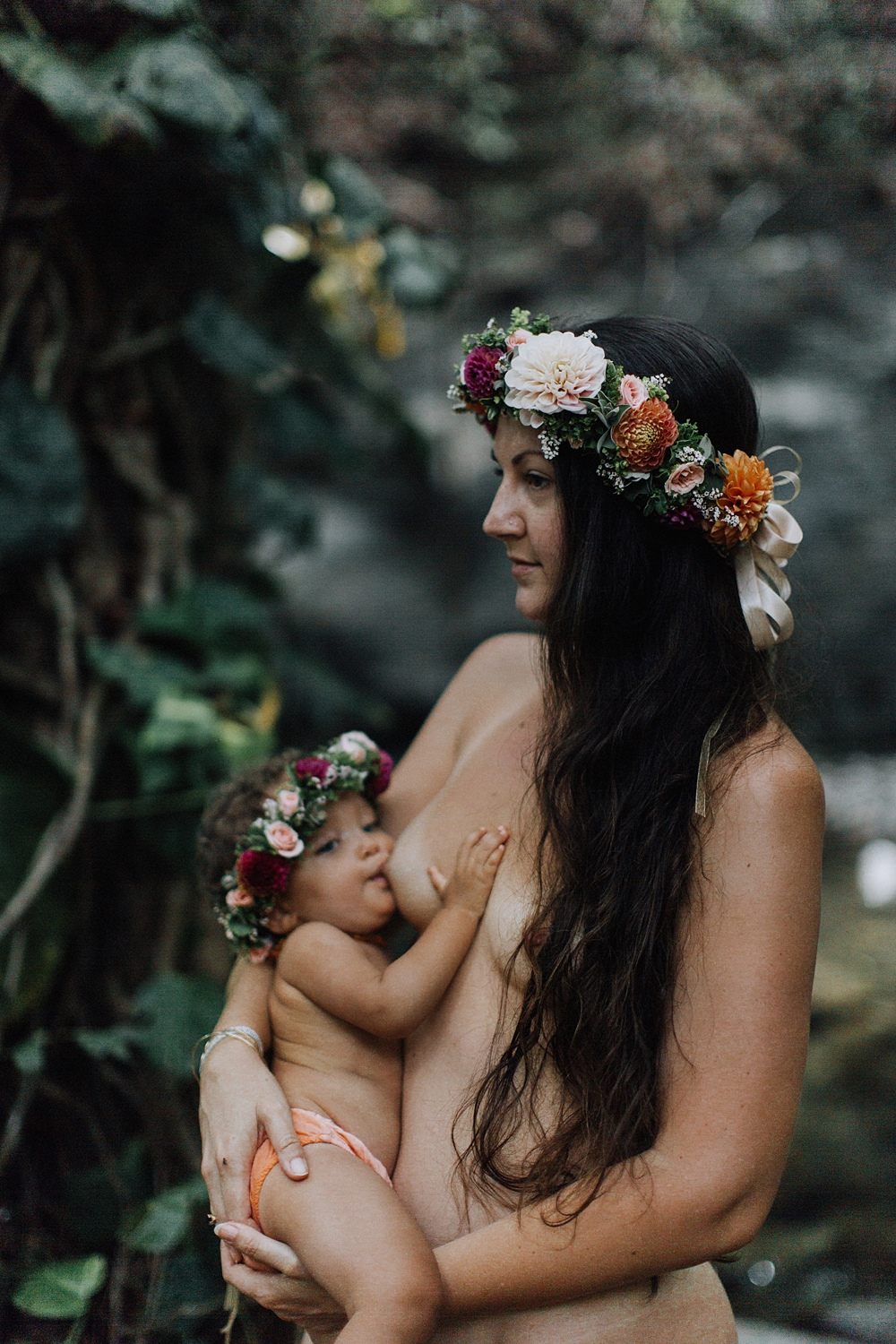 breastfeeding photos in maui, hawaii by cadencia photography.