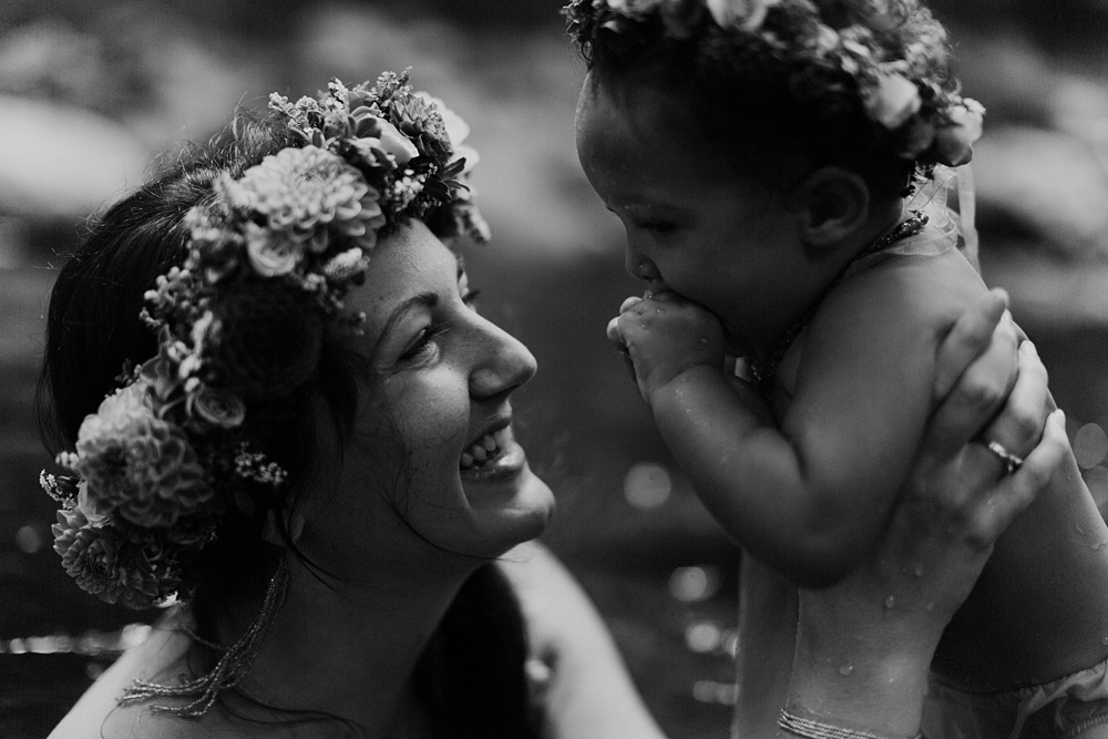 photos by maui photographer cadencia for a family in iao valley.