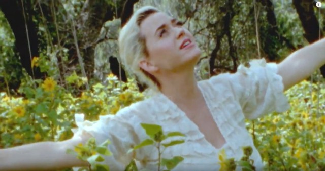 Screenshot_2020-05-15-Katy-Perry-Daisies-YouTube