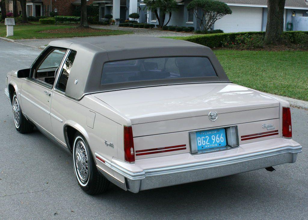 Cadillac Sedan Deville 1988