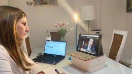 Irene Garcia sigue la intervencion de Abel Caballero