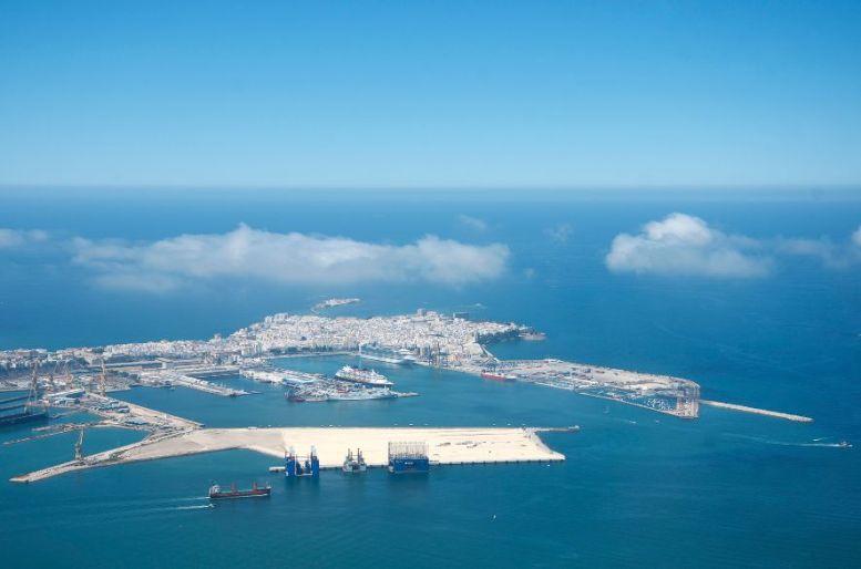 Imagen aérea del Puerto de Cádiz