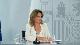 La vicepresidenta tercera del Gobierno y ministra para la Transición Ecológica y el Reto Demográfico, Teresa Ribera, durante su intervención en la rueda de prensa posterior a la reunión del Consejo de Ministros.